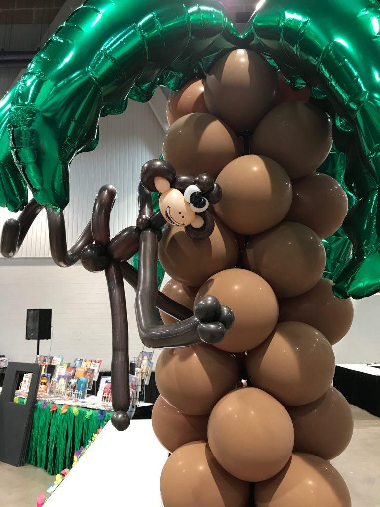 Balloon Palm Tree with Monkey